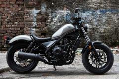 Motorrad: Honda Rebel auch für Einsteiger leicht beherrschbar