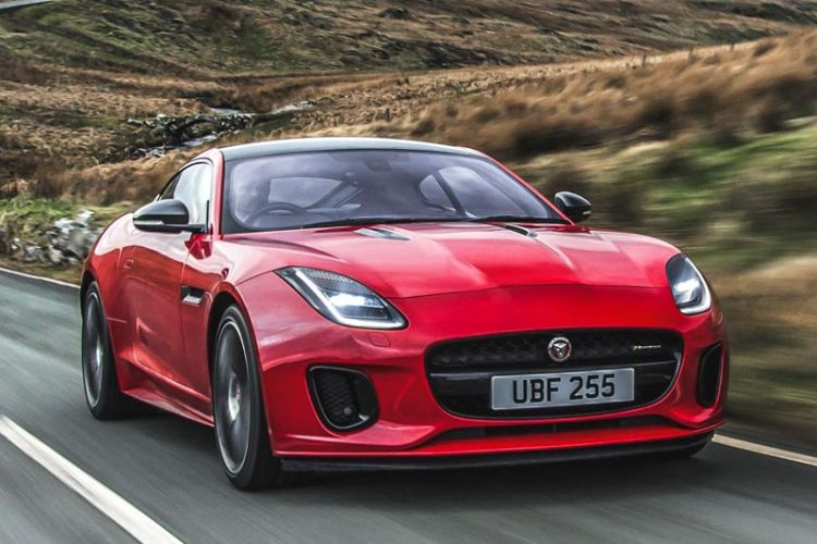 News: Jaguar F-Type P300 mit 300 PS starkem Vierzylinder-Turbo