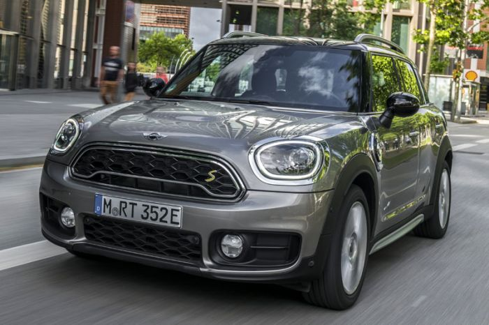 E-Mobil: MINI geht mit dem Plug-in-Hybrid Cooper S E Countryman ALL4 an den Start