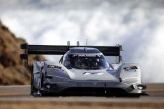 Pressemeldung Volkswagen - Historischer Sieg beim Pikes Peak Rennen 2018