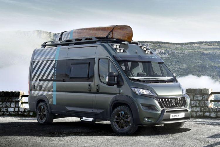 News: Peugeot Boxer 4x4 Concept Wohnmobilstudie mit Kanu und E-Bike