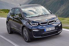 E-Mobil: BMW präsentiert überarbeitetes i3 Elektrofahrzeug mit zwei Leistungsstufen und Range Extender