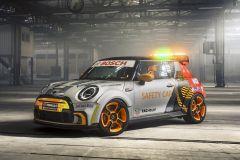 E-Mobil: MINI Electric als E Safety Car der FIA Formula E World Championship