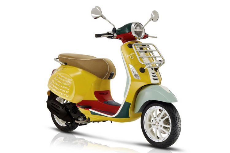 Motorrad: Vespa Sondermodell Primavera von Designer Sean Wotherspoon