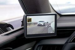 Pressemeldung Lexus - Digitale Außenspiegel mit hochauflösender Kamera