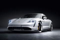 E-Mobil: Modellpflege und neue Plug & Charge-Funktion für den Porsche Taycan