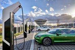 Pressemeldung Porsche -  Leistungsstärkster Schnellladepark Europas