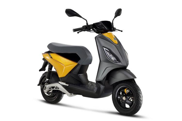 Motorrad: Piaggio