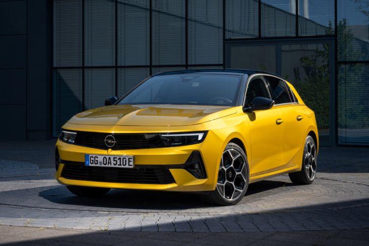 News: Neuer Opel Astra feiert Premiere auf der XS Carnight am Wörthersee