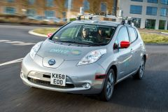 Pressemeldung Nissan - Nissan Leaf fährt vollautonom durch Großbritannien