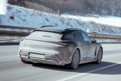 E-Mobil: Porsche Taycan Cross Turismo auf letzten Erprobungsfahrten