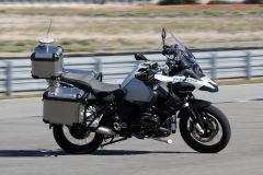 Pressemeldung BMW Motorrad - Erstes autonom fahrende Motorrad von BMW