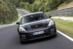 Pressemeldung Porsche - Panamera Turbo mit neuer Rekordzeit am Nürburgring