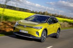 Pressemeldung Volkswagen - Beim ID.4 hat Segeln Vorrang vorm Bremsen