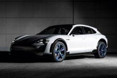 E-Mobil: Porsche Konzeptstudie Mission E Cross Turismo mit prägnanten Offroad-Elementen