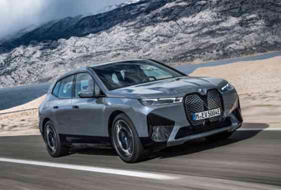 E-Mobil: Elektro-SUV BMW iX mit zwei Leistungsstufen und einem M Modell