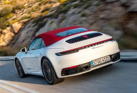 News: Innovatives Leichtbau-Stoffdach beim neuen Porsche 911 Cabriolet