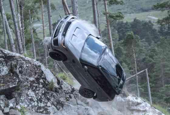 """News: Range Rover Sport SVR spielt Schlüsselrolle im Bond Film """"No time to die"""""""