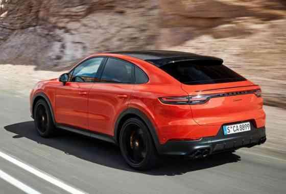 News: Porsche ergänzt seine Cayenne SUV-Reihe um ein viertüriges Coupé